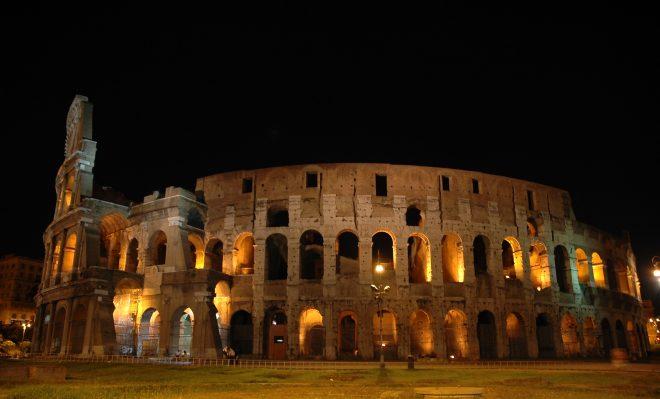 Coliseo por la noche