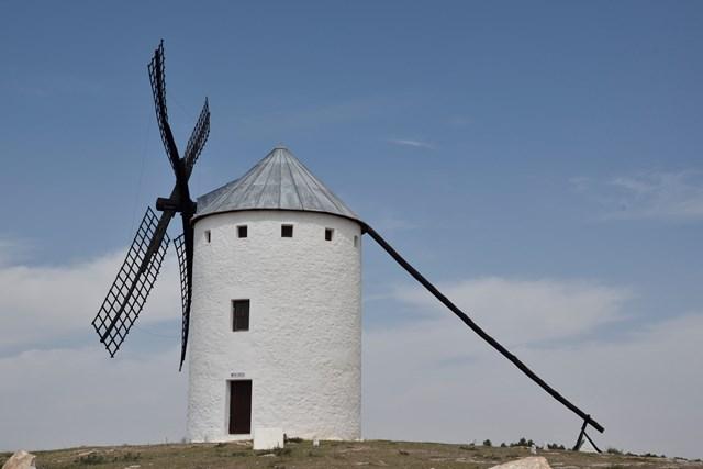 Por las tierras de Don Quijote de La Mancha Luchando contra los gigantes de viento