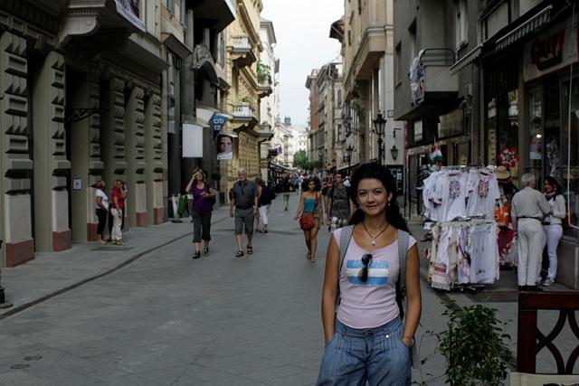 Laura posando en Váci Utca