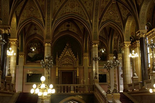 Escaleras principales del Parlamento