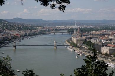 Vistas del Danubio desde la colina de Géllert