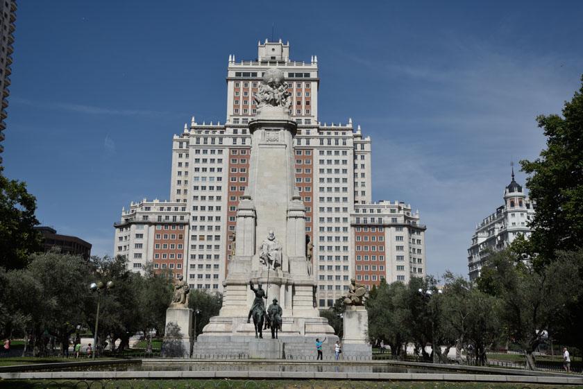 Monumento a Cervantes en la Plaza de España