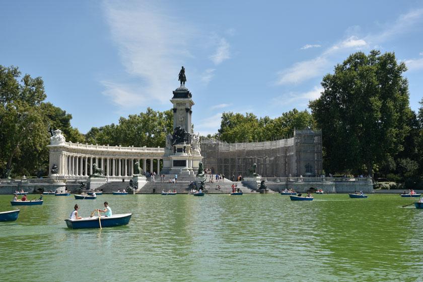 Preciosa panorámica del monumento a Alfonso XII