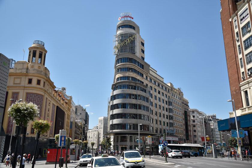 Fachada principal del Edificio Capitol de Madrid