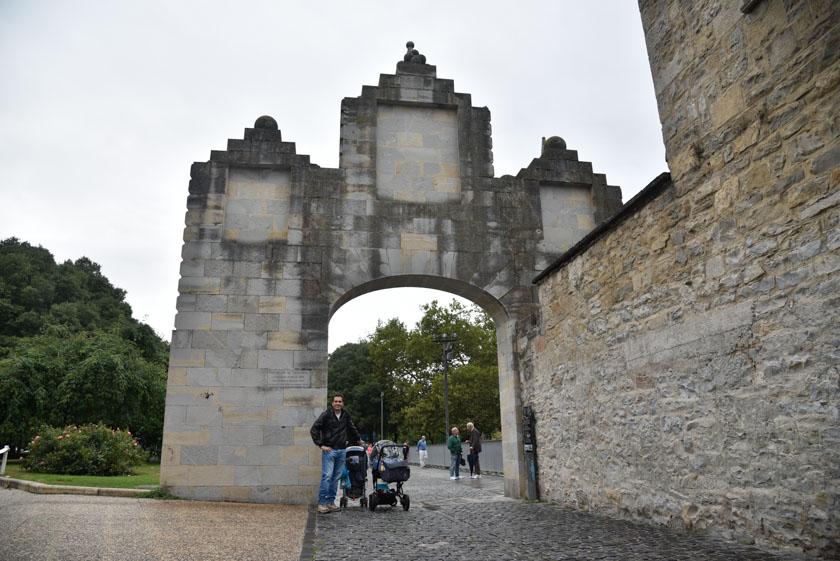 Posando en el Portal de La Taconera