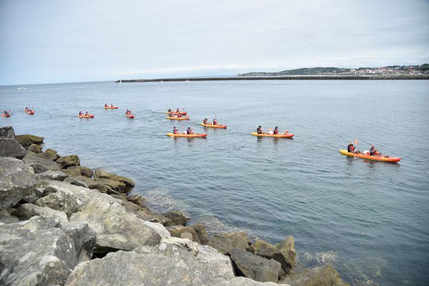 Canoas en la bahía
