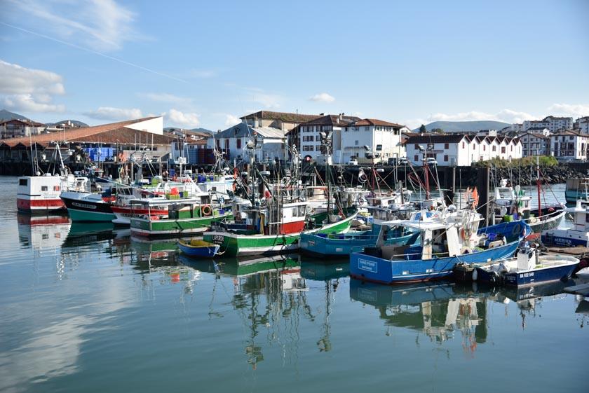 Barcas pesqueras atracadas en el puerto