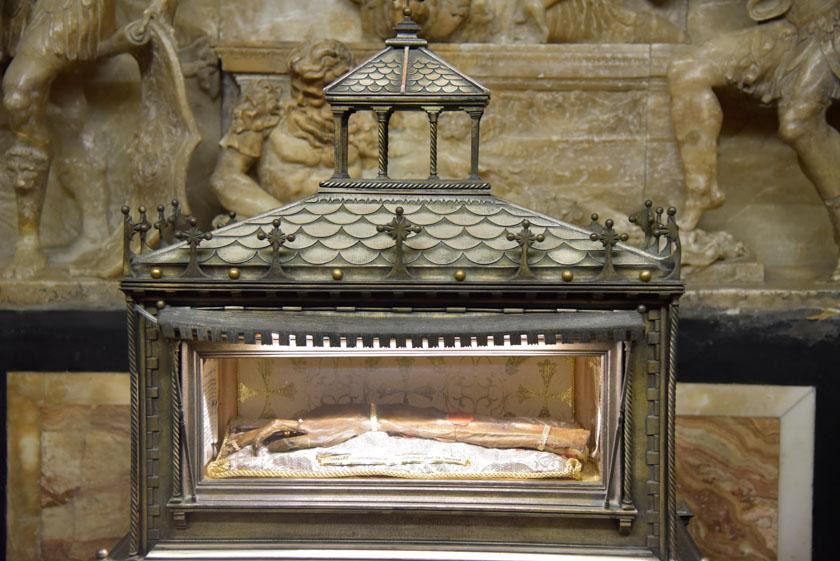 Brazo momificado de San Vicente Mártir