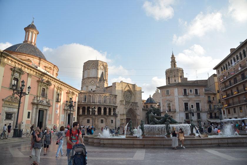 Panorámica de la Plaza de la Virgen de Valencia