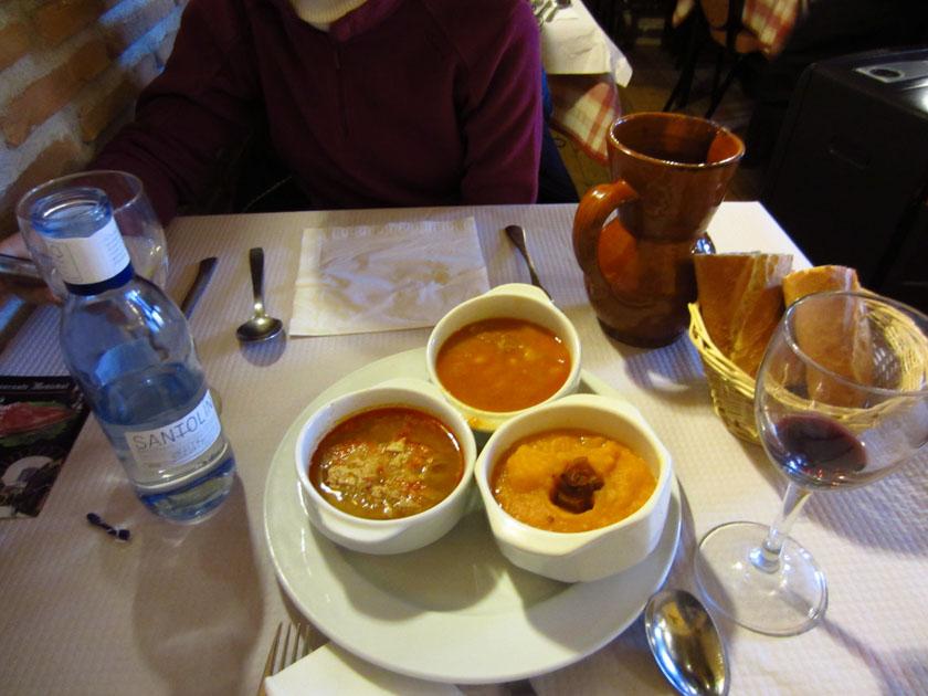 Disfrutando de la comida en Ávila