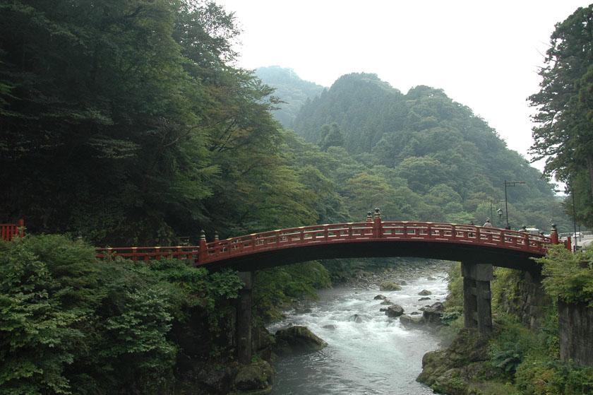 Puente sagrado de Shinkyo en Nikko