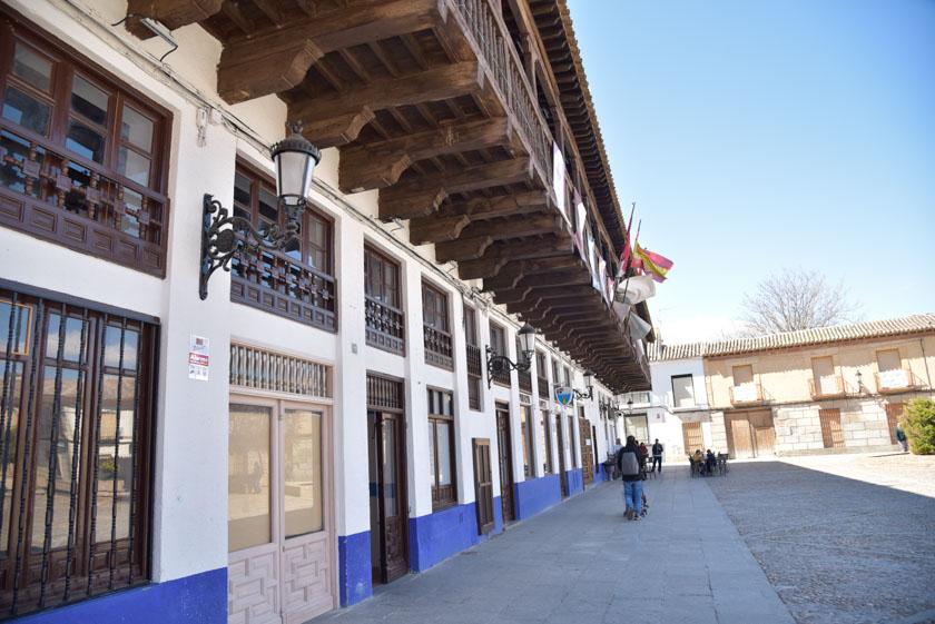 Balcón de madera del Edificio de los Corredores