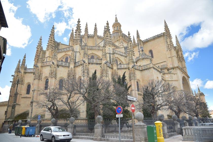 Fachada exterior de la Catedral de Segovia