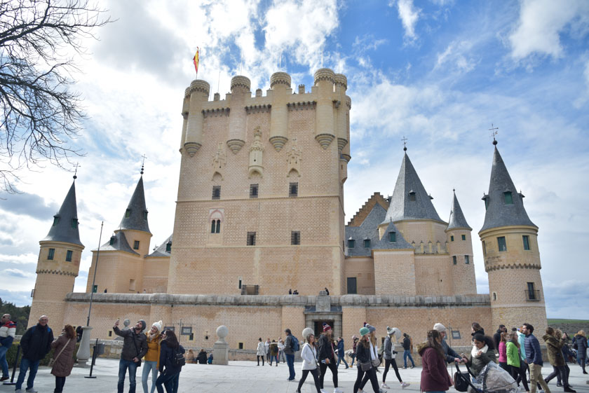 Entrada al Alcázar por la torre de Juan II