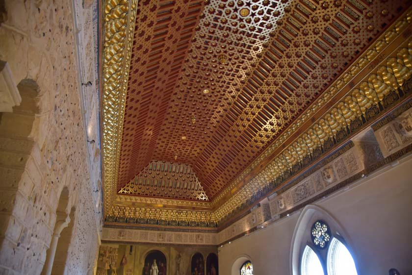 Impresionante techumbre de la Sala de la Galera