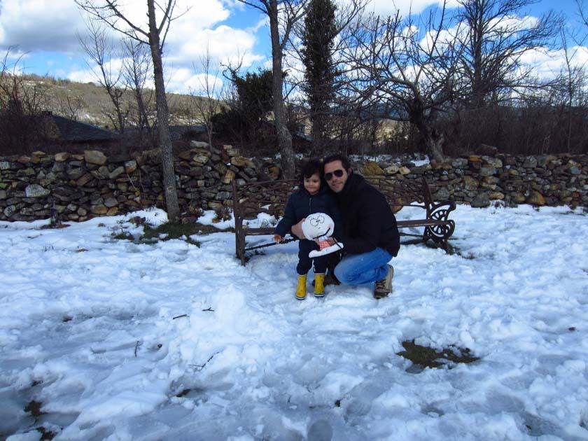 Daniel disfrutando en la nieve