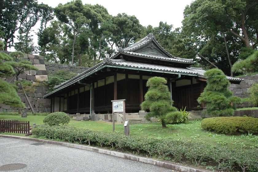 Pequeño templo en el Palacio Imperial de Tokio