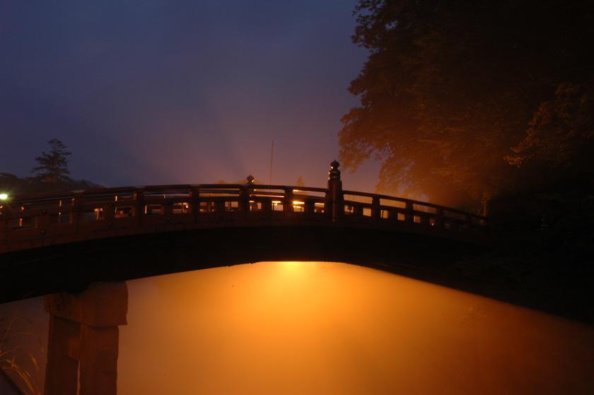 Cae la noche en Nikko