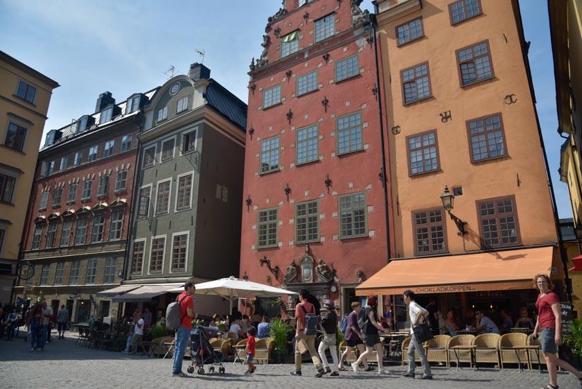 Espectaculares edificios en la Plaza Stortorget