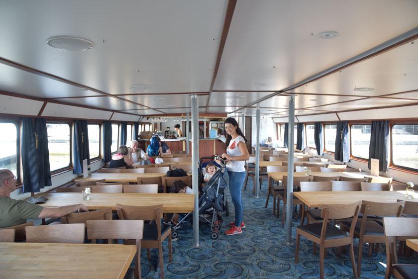Interior del barco que nos llevó a Sigtuna