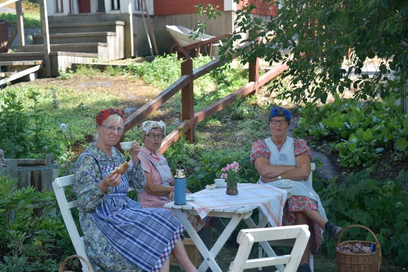 Mujeres tomando un té en Skansen