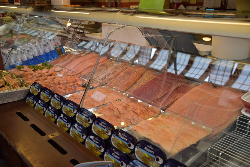 Bonito expositor de salmón