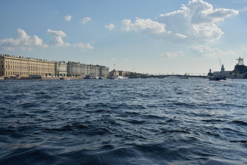Navegando por el Río Neva