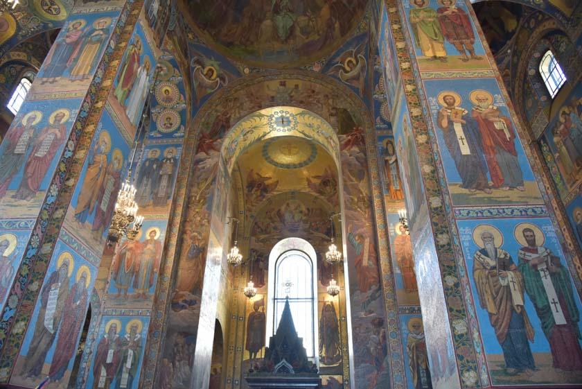 Mires donde mires, la Iglesia del Salvador es muy bonita