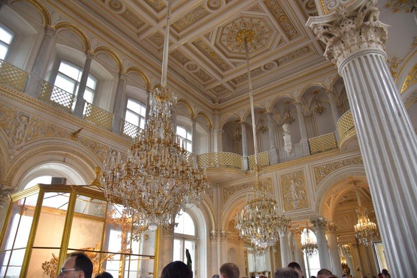 Increíbles lámparas de araña en el Hermitage