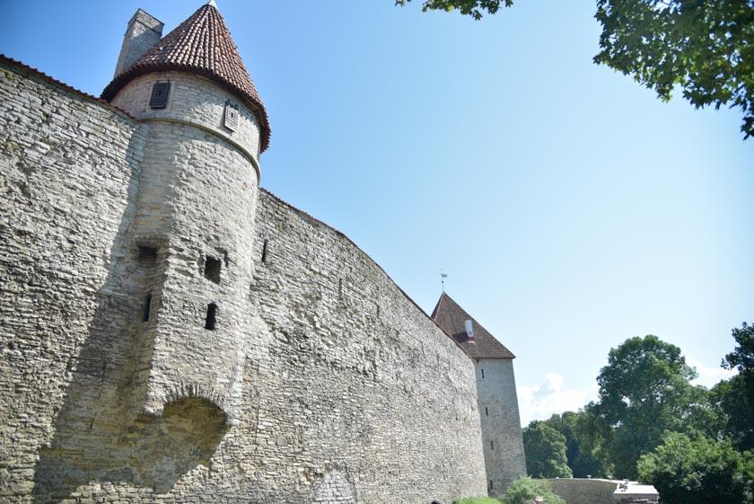 Paseando por las murallas de Tallin