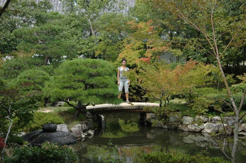 Posando en Isuien Garden