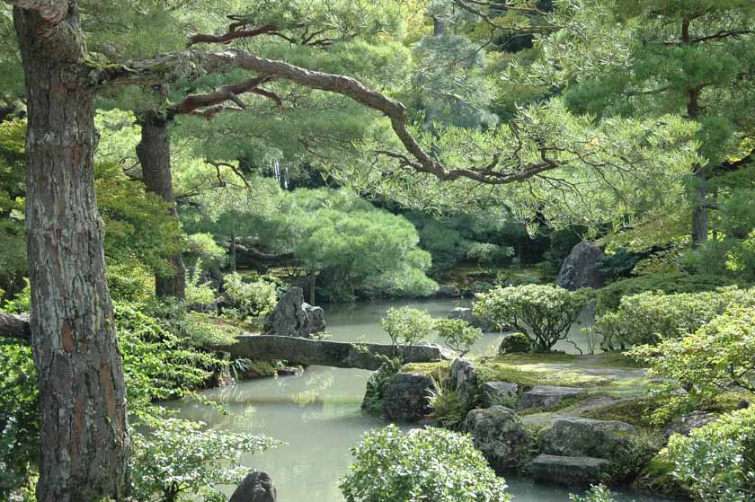 El jardín que rodea al Pabellón de Plata es espectacular