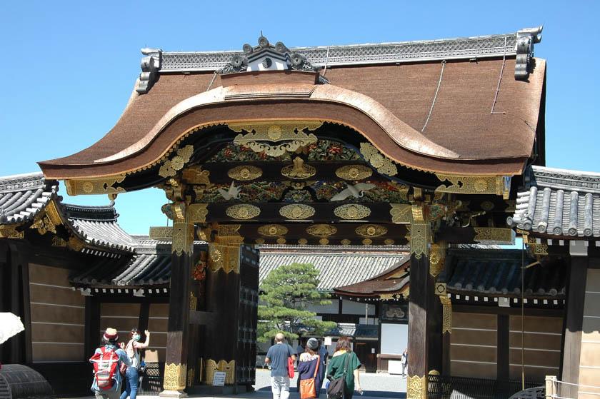 Una de las puertas del castillo de Nijo