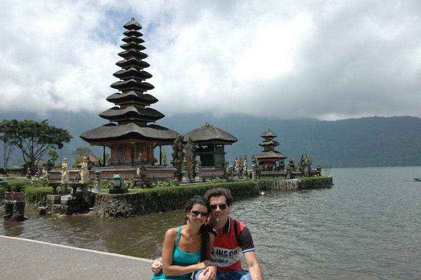 Posando en uno de los templos más bonitos de Bali