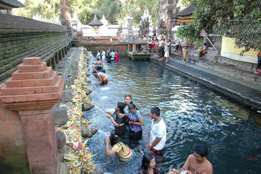 Piscina del templo Pura Tirta Empul