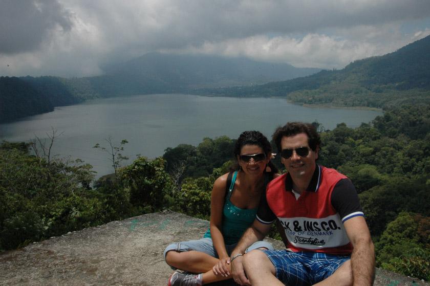 Posando en el lago Buyan