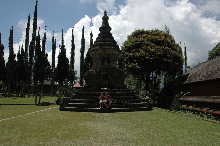 Estupa balinesa en Ulun Danu