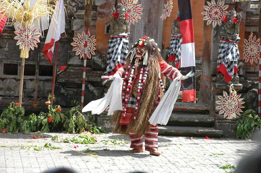 El otro personaje principal de la Danza del Barong