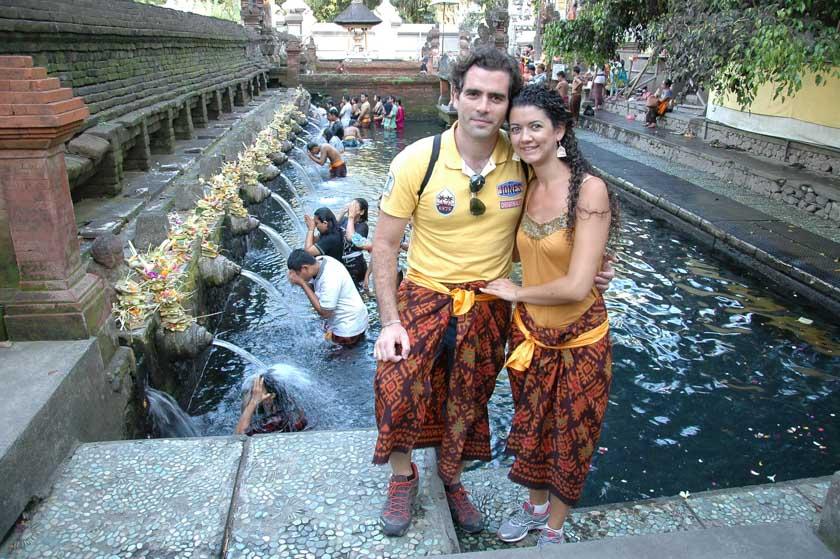 Enamorados de las tradiciones balinesas