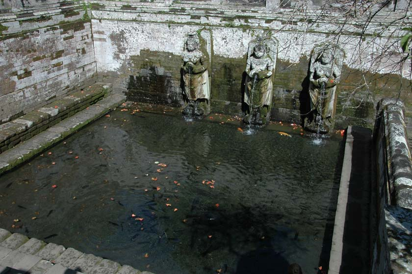 Piscina principal del templo de Goa Gajah