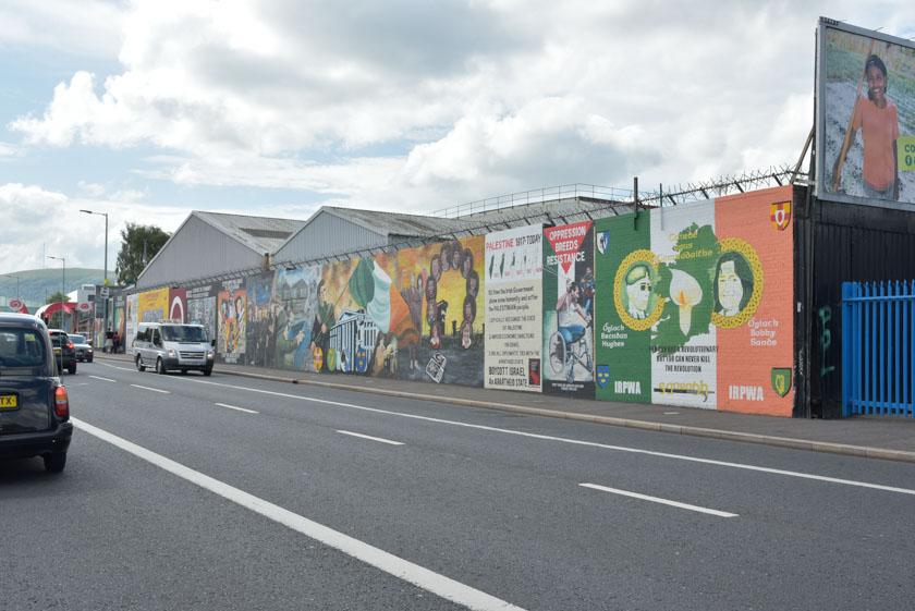 Murales en el muro internacional de Belfast