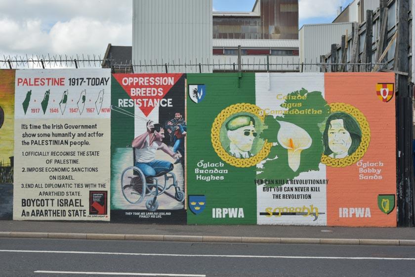 Mural de apoyo a Palestina en el muro internacional de Belfast