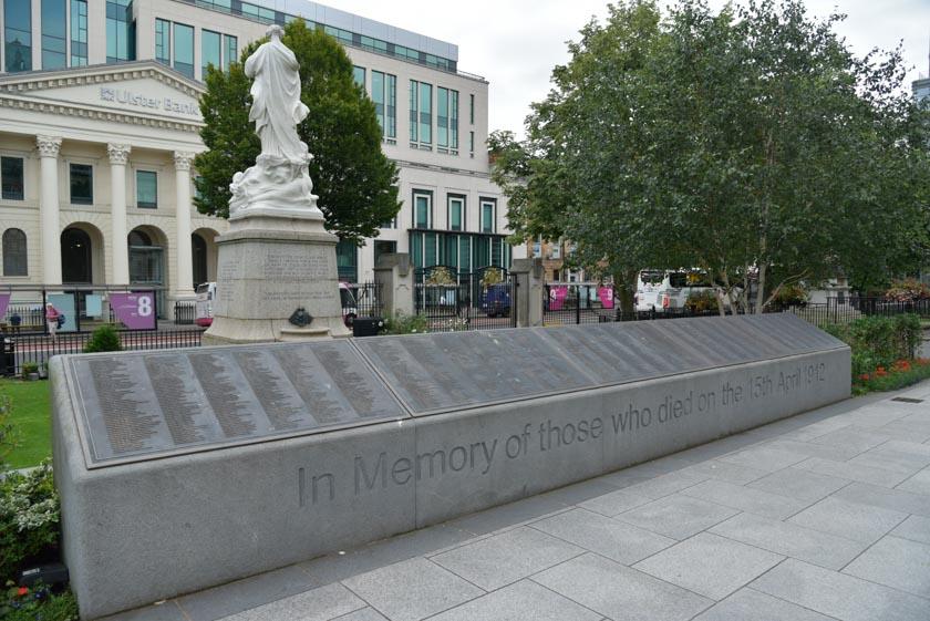 Monumento a las víctimas del Titanic en Belfast
