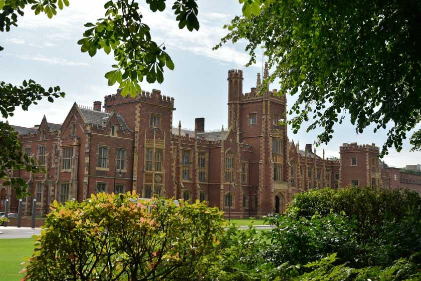 Qué bonita es la Universidad de Belfast