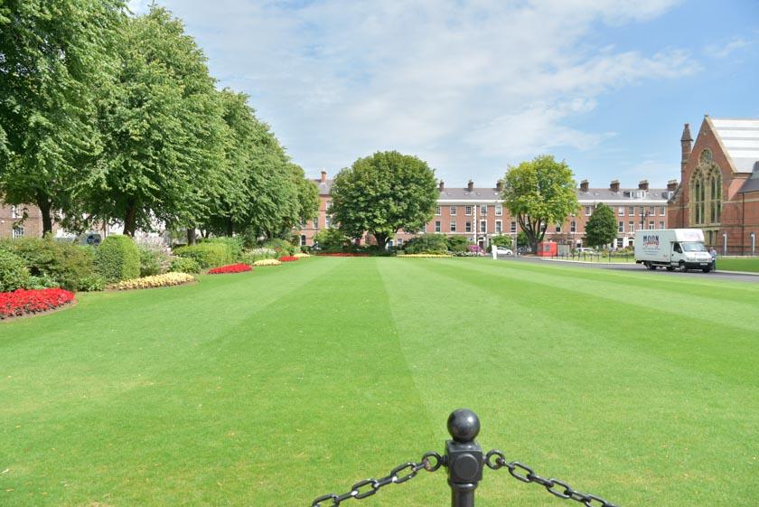 Preciosos jardines de la Universidad de Belfast
