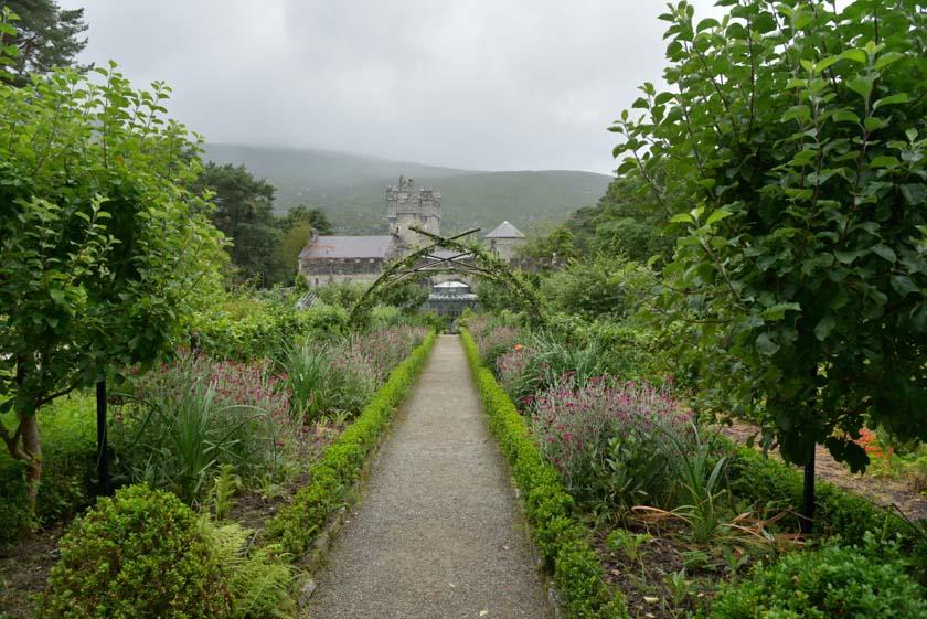 Visitando los jardines de Glenveagh