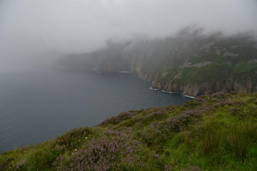 Acantilados Slieve League en el condado de Donegal