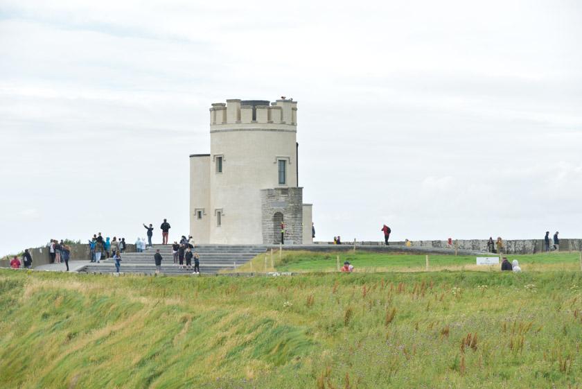 Vistas generales de la Torre O'Brien en Moher