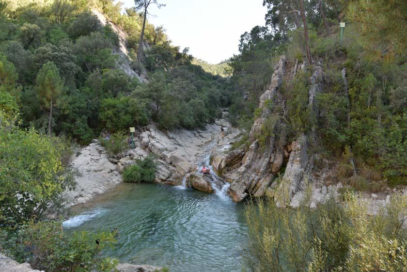 Visitando el Arroyo de las Truchas que desemboca en el río Borosa