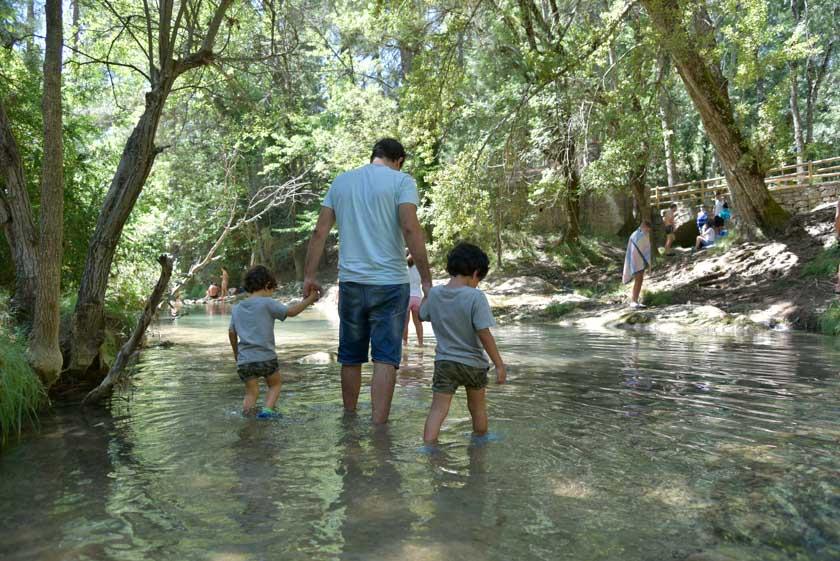 Refrescándonos en el río Guadalquivir
